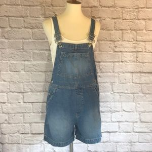 Gap vintage short overalls size small